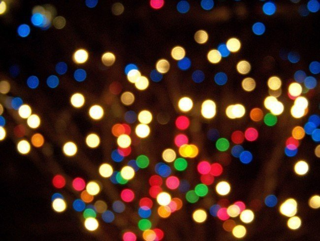 christmas lights make it difficult to lower your energy costs