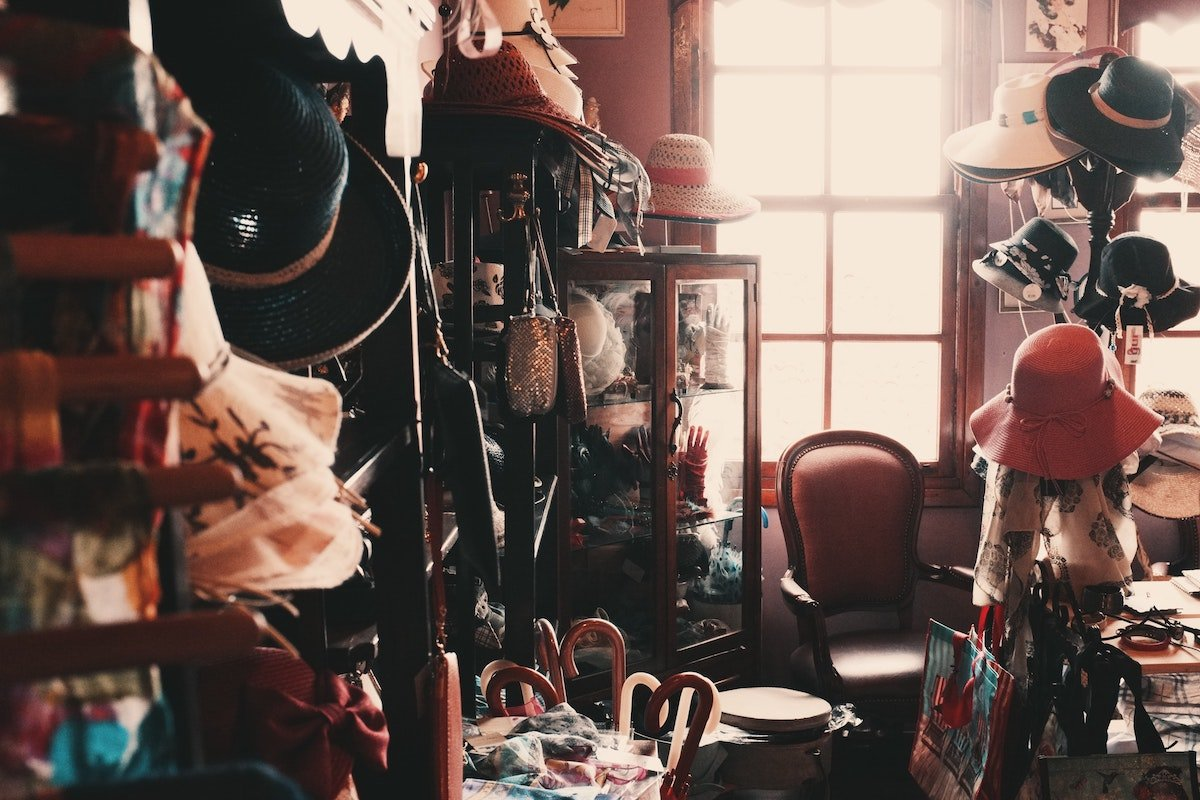Clutter makes life more complicated.